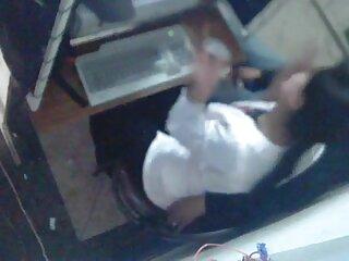 Sarah, guantes, bolas en su coño. (2015) mexicana cogiendo casero