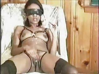 Mujer casada pisoteado cojiendo casero carne esclava