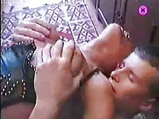 Cinta sólida mujeres cojiendo videos caseros y en forma de barril